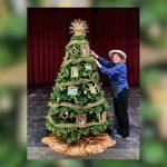Pageant of the Masters recrea obras maestras para un árbol navideño único en su clase
