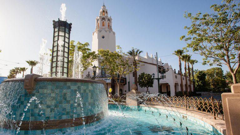 Buena Vista Street abre el 19 de noviembre de 2020, Ampliación de Downtown Disney District en Disneyland Resort