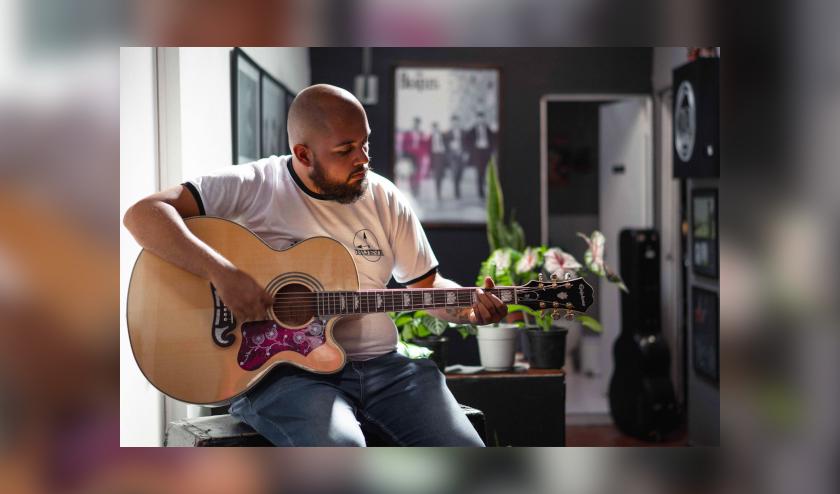 Pepe Cosme lanza 'Maldición gitana', una despedida sin anestesia