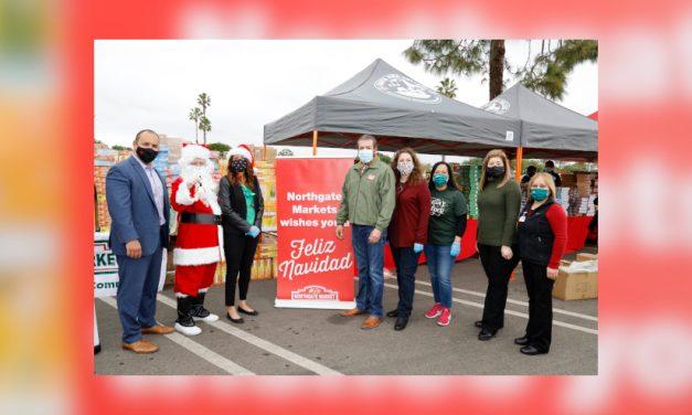 Northgate González Market entregó miles de juguetes a niños del Sur de California