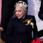 Lady Gaga no se puso el sinsajo de 'Los juegos del hambre' para la toma de posesión