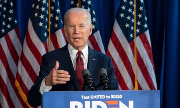 """La nueva administración en la Casa Blanca podría eliminar permanentemente la regla de """"Carga Pública"""", aliviando la ansiedad de los inmigrantes"""