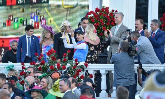 John Velázquez y Medina Spirit ganan la edición 147 del Derby de Kentucky