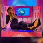 Gaby Natale pronuncia discurso de apertura para el evento anual externo femenino de P&G