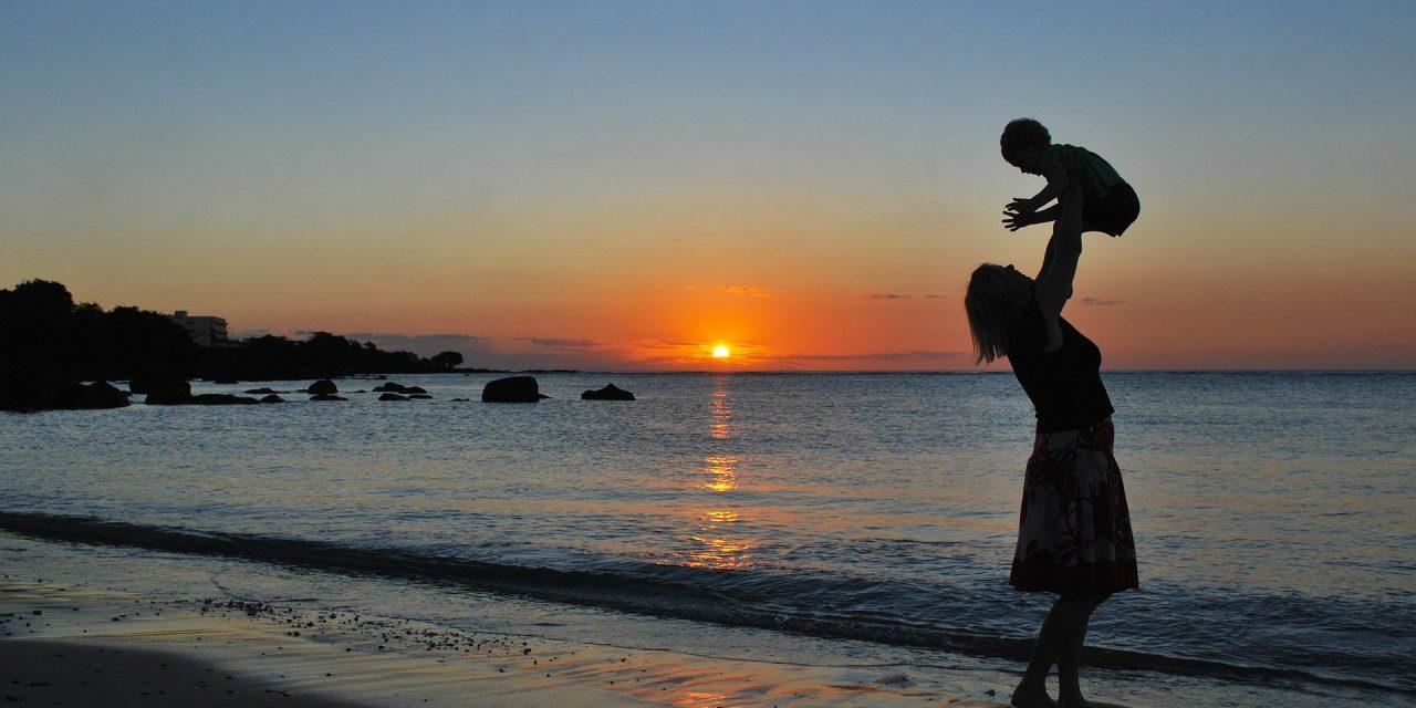 Ser madre es un privilegio que otorga la vida que te enseña a dar y a ser mejor