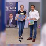 Corazones Solidarios: Natalia Denegri se alía con el Alcalde de Miami para asistir a los niños de menos recursos de Miami