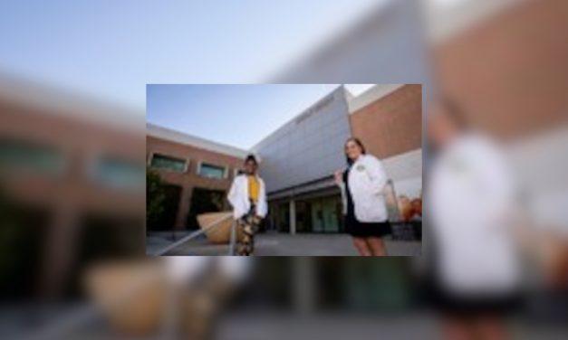 Donaciones ayudan a escuelas de medicina a atraer estudiantes de color