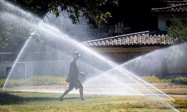 Mientras se agrava la sequía de California, el uso de agua disminuye solo un 1.8%
