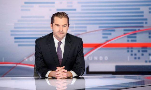 """Telemundo nombra al periodista ganador del Premio Emmy Julio Vaqueiro como presentador de """"Noticias Telemundo,"""" el noticiero insignia de la cadena"""